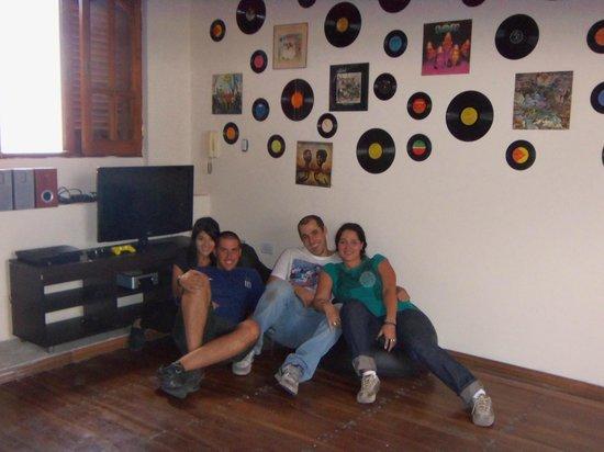 Mundo Mestizo Cordoba Hostel: En el playroom del hostel