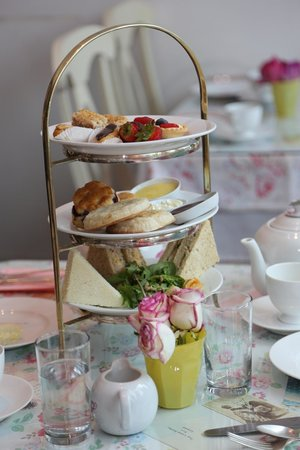 The wonderful afternoon tea at Crown and Crumpet