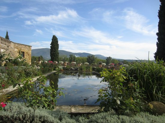 Tours in Provence - Day Tours : Château in Lourmarin