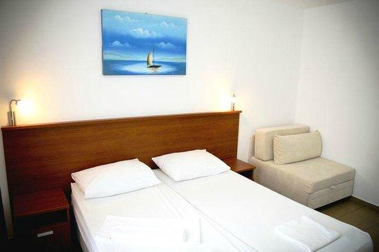 Hotel Jadran Plavi: Hotel Room