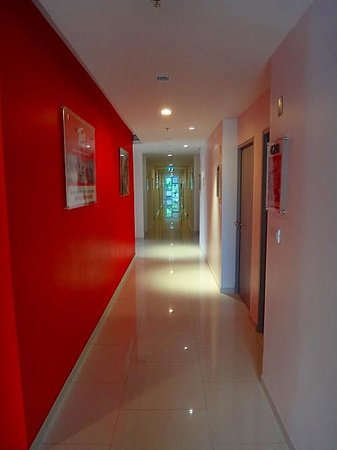 Red Planet Pattaya: Hallways - immaculate