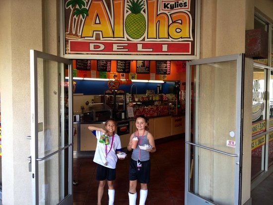 Aloha Deli Ma'alaea: Next to the Maui Ocean Center