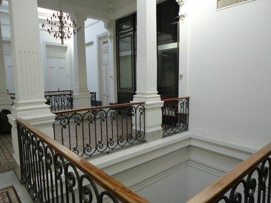 Hotel Plaza Fuerte: Corredores