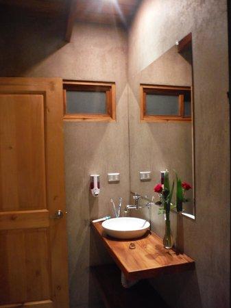 Casa Amanecer B&B: Salle de bain moderne