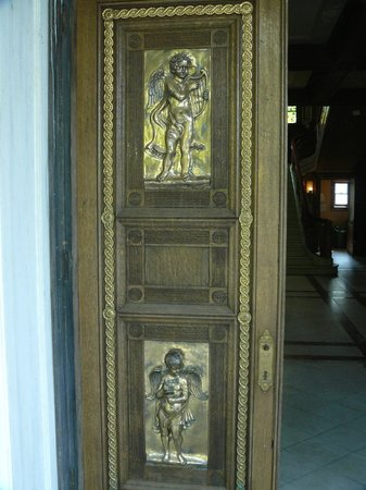 Swannanoa Palace: Front Door Detail