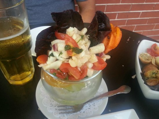 Broadway Grille & Pub: yummy seafood ceviche