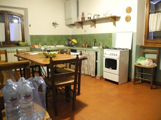 Agriturismo Santa Maria: Kitchen