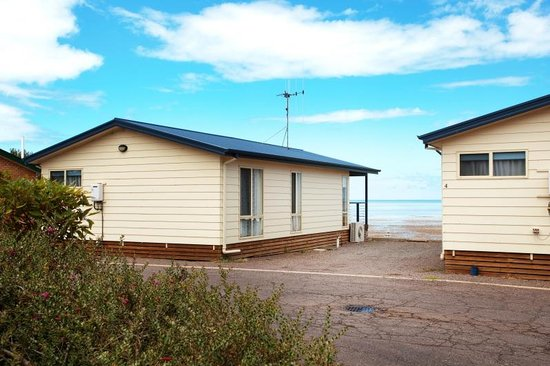 Discovery Parks - Whyalla Foreshore: Discovery Holiday Parks - Whyalla: Beachside cabins