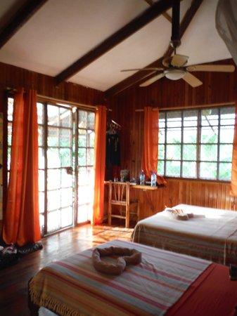 Hotel Pura Vida: La chambre avec galerie