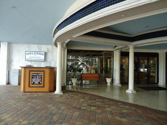 Ocean Sky Hotel & Resort : ENTREE