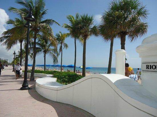 photos ocean sky hotel resort fort lauderdale. Black Bedroom Furniture Sets. Home Design Ideas
