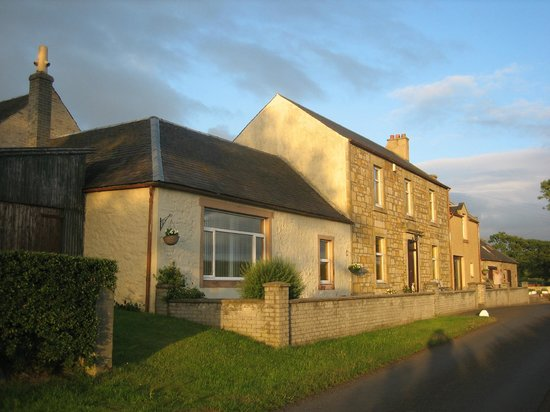 Aulton Farmhouse: Lovely home away from home