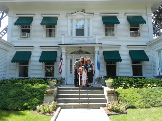 Stanton House Inn: Our Family in Front of the Inn