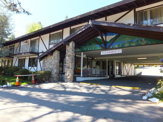 Brockway, CA: Entrance of Tahoe Inn