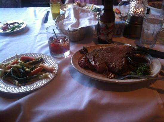 Connell's Supper Club: Brandy old fashioned sweet, Leinie, and a king cut prime rib