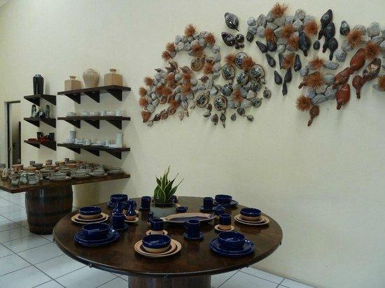 Hotel Boutique la Cofradia: Planta de cerámica y envase. josepablo2004