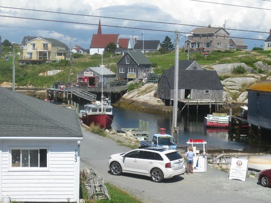 Great E.A.R.T.H Expeditions: Peggy's Cove village