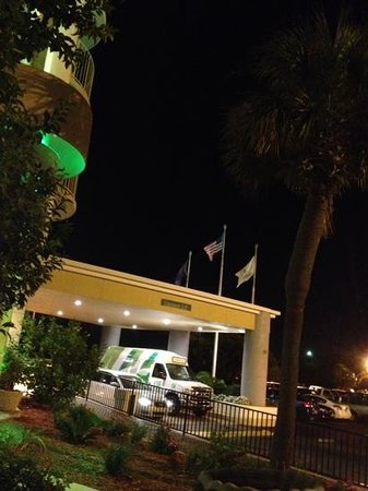 Holiday Inn Charleston Riverview : welcome at the hotel