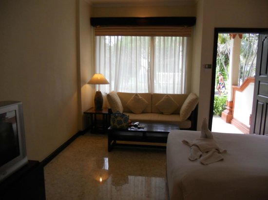 Kind Villa Bintang Resort & Spa: sofa