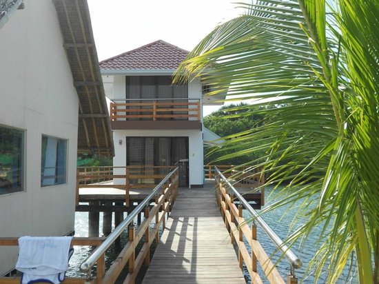 Papa Kit's Marina & Fishing Lagoon: Side view of the suites