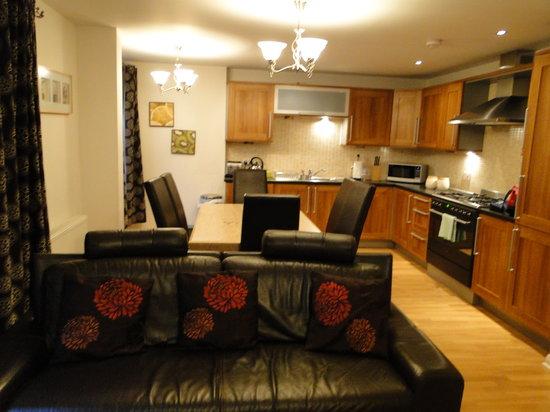 Edinburgh Pearl Apartments Lochrin : Living
