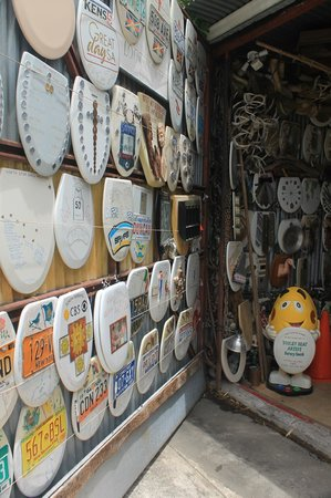 Toilet Seat Museum: The garage door and the license plates!