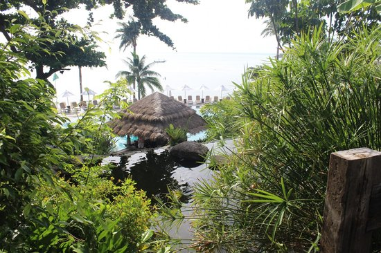 Nora Beach Resort and Spa : view down towards pool