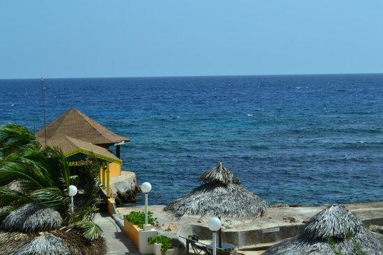 Club Ambiance: The deep blue sea
