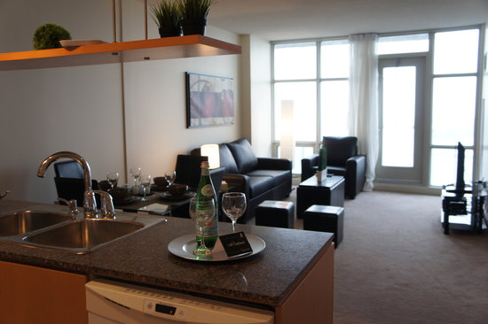 Atlas Suites - Mariner Furnished Apartments