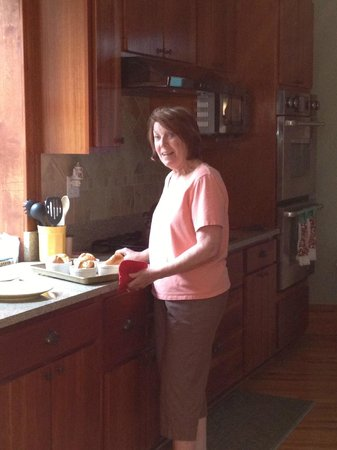 Clydesdale Cottage: Maureen