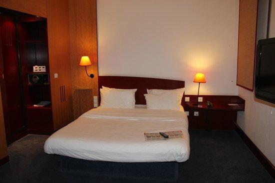 Novotel Hannover: bed
