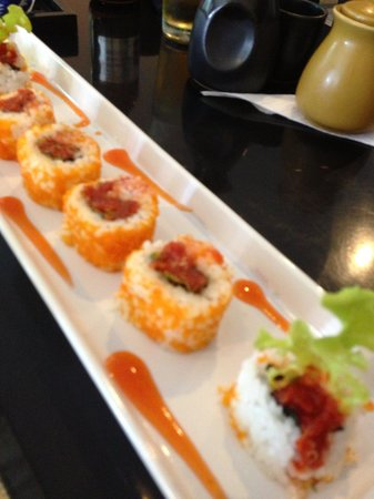 Ageha Sushi: Spicy tuna Roll