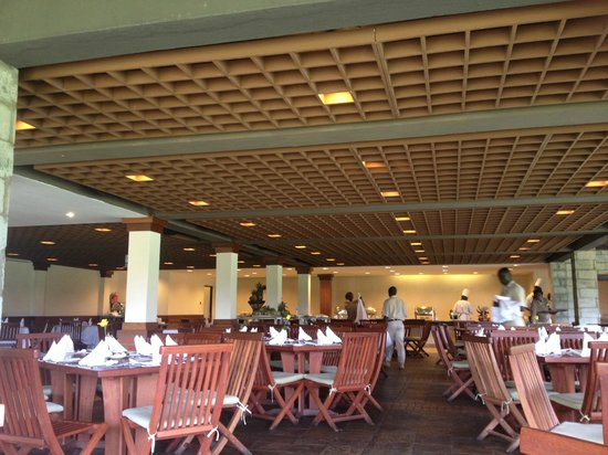 Great Rift Valley Lodge & Golf Resort: inside the dining area