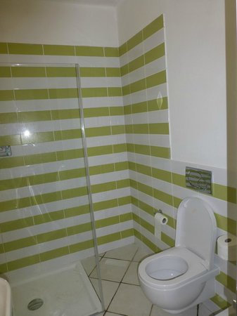 Hotel Mare Pineta : modern bathroom