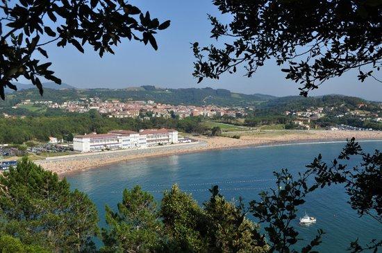 Playa de gorliz desde astondo picture of oficina de - Oficina de turismo bilbao ...