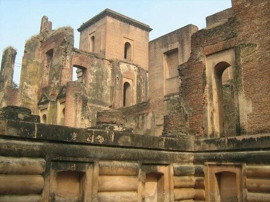 Dilkusha Kothi Palace: Runs of Dilkusha Kothi