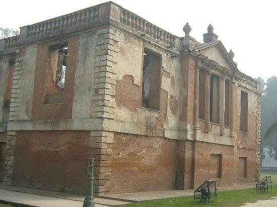 Dilkusha Kothi Palace: Another view of the Kothi