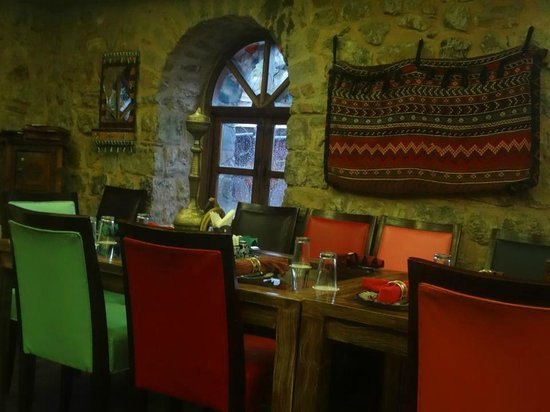 Des Pardes Restaurant: inside the restaurant