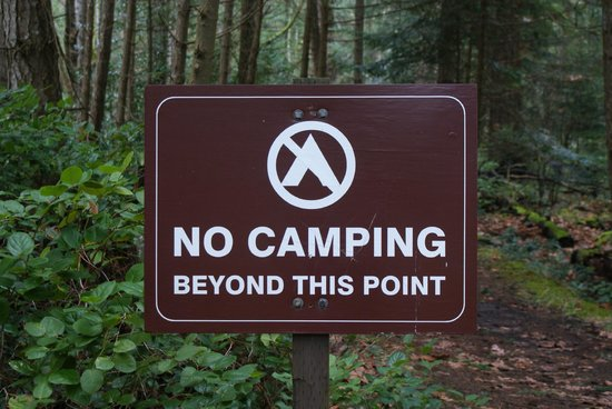 Nanaimo, Canada: It is safe at night as long as you do not camp beyond that point
