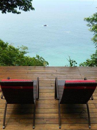 Bosque del Cabo Rainforest Lodge: The deck of our bungalow.