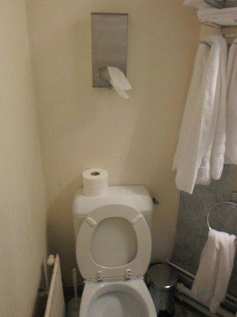 Hotel Baudelaire Opera : Il bagno di Fantozzi2 la vendetta