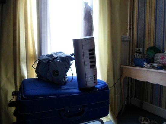 Hotel Baudelaire Opera: Altro grande ventilatore