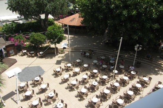 Hotel Roc Boccaccio: il parco interno all'albergo
