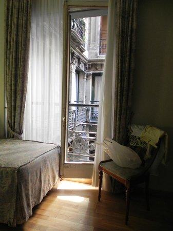 โรงแรมเรียลโท: Окно + балкон