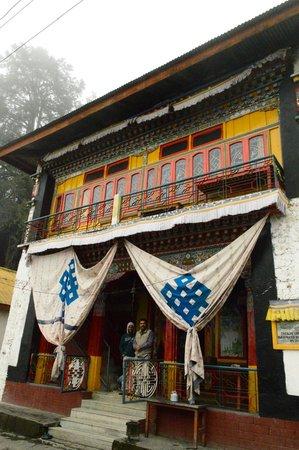 Brahma-dung-chung Ani Gompa