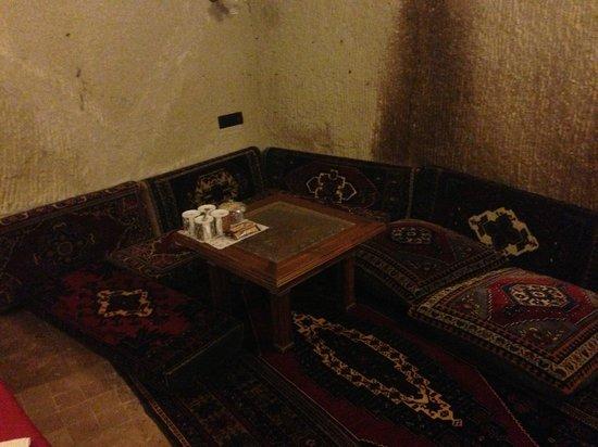 Vineyard Cave Hotel: In the corner