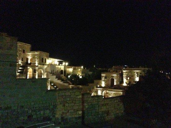 Vineyard Cave Hotel: Night View