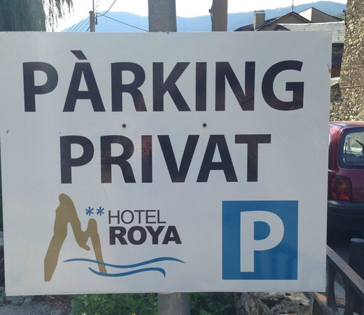 Hotel Roya: Parking gratuito