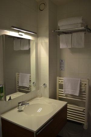 Best Western Hotel Des Barolles - Lyon Sud : Salle de bain