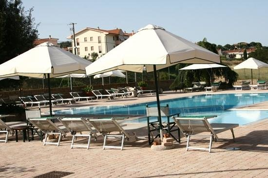 Residence Ombraverde: La piscina